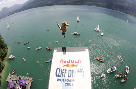 wolfgangsee-cliff-diving