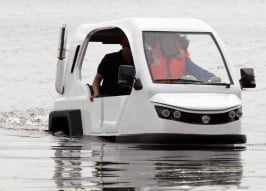 Flood Simple: The Salamander Amphibious Trike