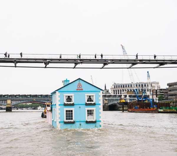 Airbnb Floating House wenn22501274