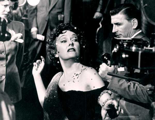 Norma-Desmond-closeup