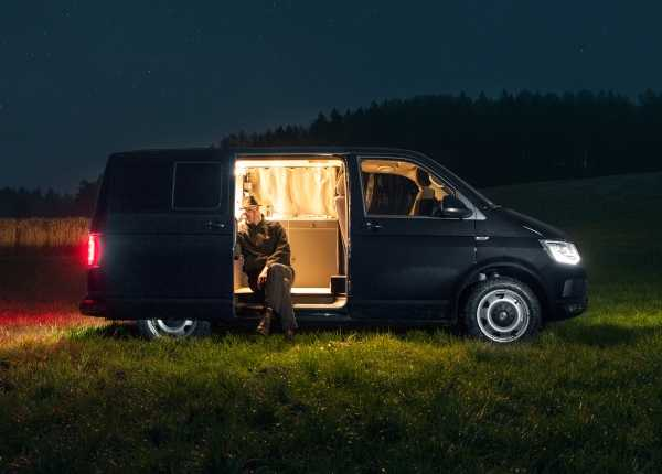 holger-moormann-camper-van_2a
