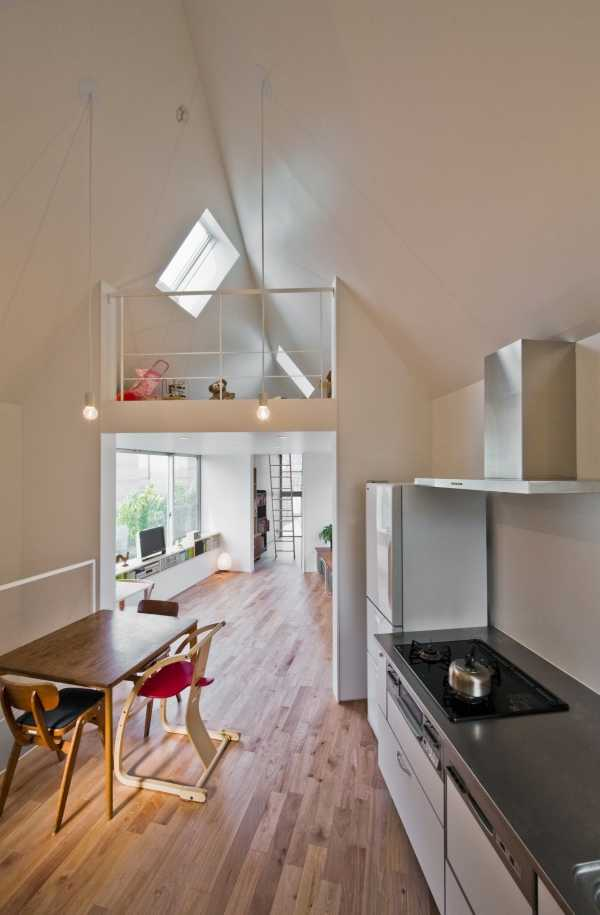 narrow-house-kitchen-2
