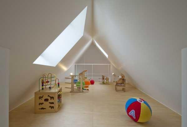 narrow-house-mezzanine-2