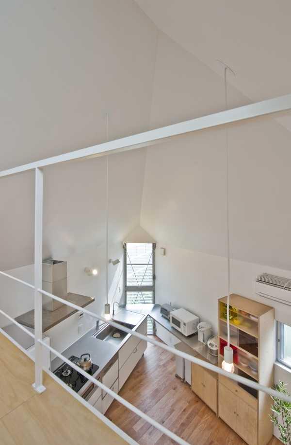 narrow-house-overlook-1